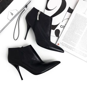 G U E S S by Marciano • Gallysa Stiletto Booties
